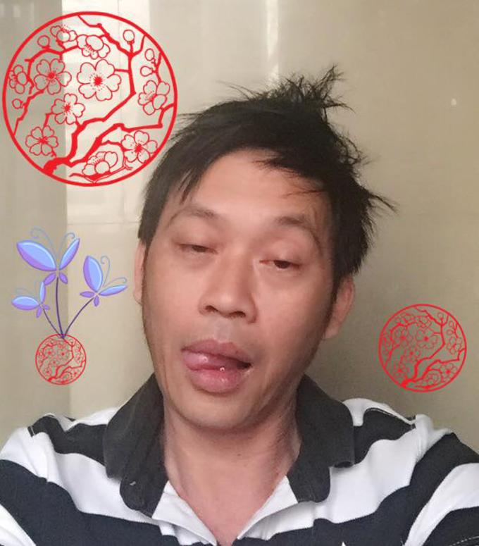Danh hài Hoài Linh làm mặt bơ phờ, te tua vì chuẩn bị Tết.