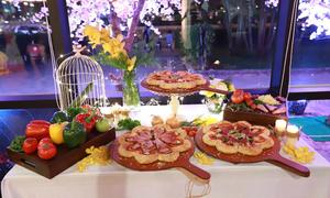 Nét tinh tế trong chiếc bánh pizza hình hoa xuân