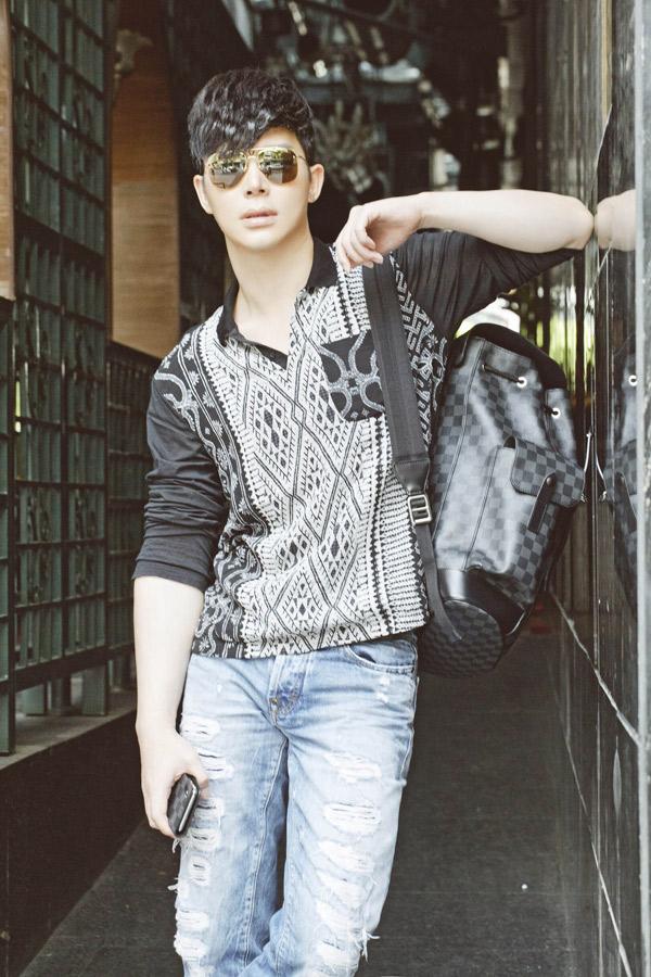 Trang phục, phụ kiện của Nathan Lee có giá từ hàng chục tới hàng trăm triệu đồng.