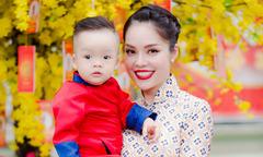 Dương Cẩm Lynh lần đầu du xuân cùng con trai cưng
