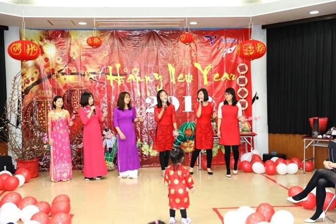 Nét văn hóa Việt được tái hiện đơn giản trong khán phòng nhỏ tại thành phốIsehara.
