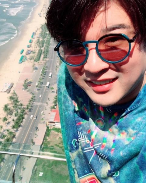 Thành viên nhóm nhạc Super Junior đón năm mới ở Đà Nẵng - 1
