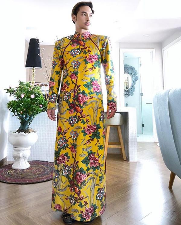 ... Lý Quí Khánh cùng bảnh bao trong những thiết kế áo dài dành cho nam giới.