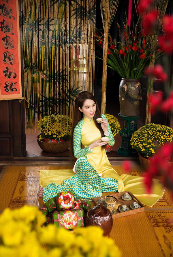 Bộ ảnh do stylist Đỗ Long hỗ trợ thực hiện.