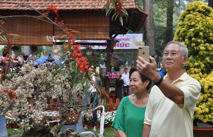 Đủ loại kỳ hoa dị thảo khoe sắc tại hội hoa xuân Sài Gòn