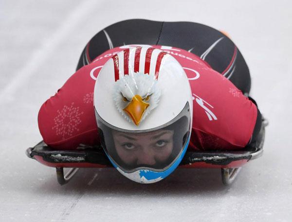 Thời trang mũ không đụng hàng của các VĐV trượt băng nằm sấp - 9