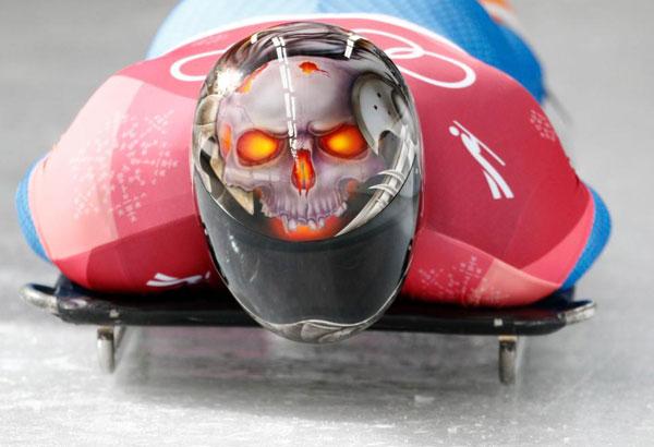 Thời trang mũ không đụng hàng của các VĐV trượt băng nằm sấp - 11