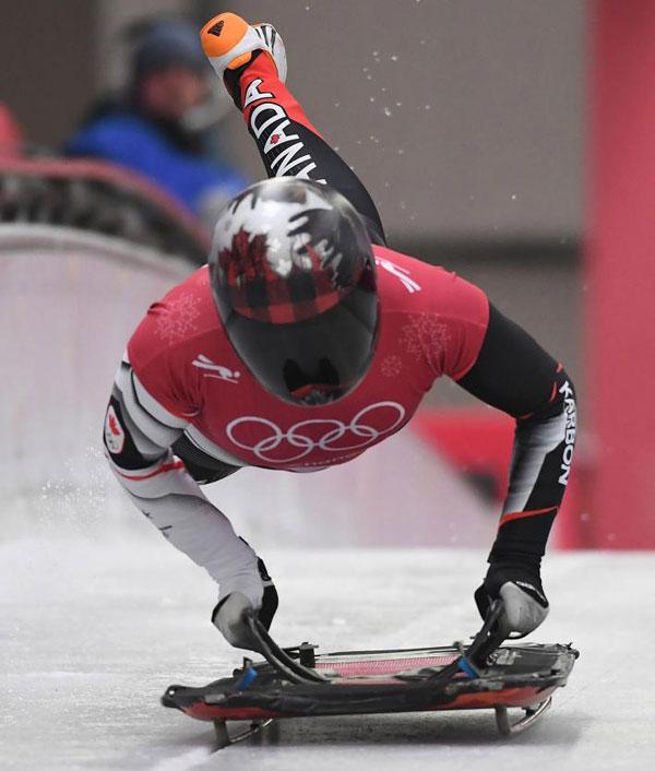 Thời trang mũ không đụng hàng của các VĐV trượt băng nằm sấp - 4