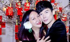 Nathan Lee ôm chầm diễn viên Kim Khánh khi hội ngộ tối mùng hai Tết