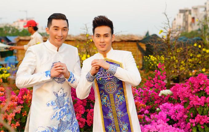 Người mẫu Nam Phong và ca sĩ Nguyên Vũ rạng rỡ mừng Tết Mậu Tuất.
