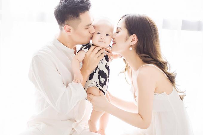 Gia đình nhỏ của diễn viên Việt Anh.