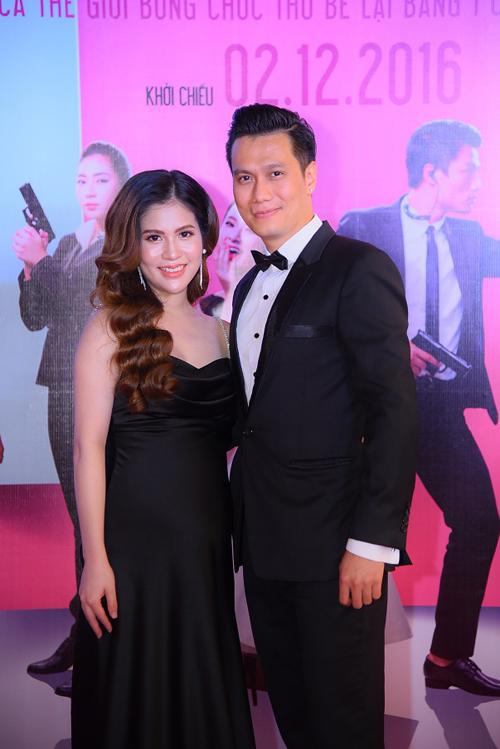 Việt Anh và bà xã Hương Trần.