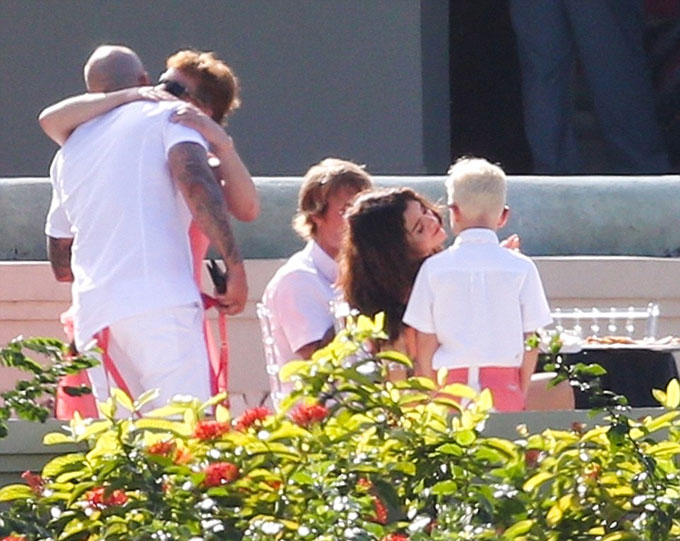 Các em của Justin và gia đình nam ca sĩ rất yêu quý Selena.