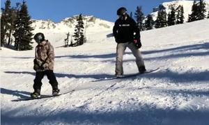 Becks và nhóc Cruz cùng trượt ván tuyết