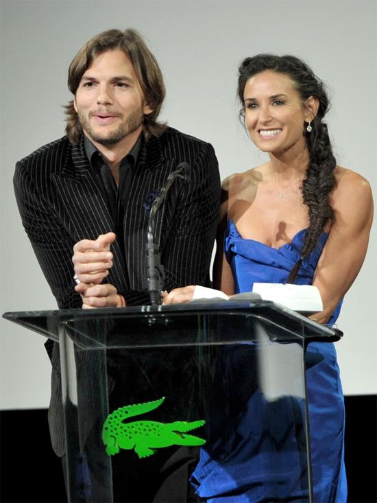 Ashton đã đi ở ẩn để vượt qua cú sốc ly hôn với Demi Moore.