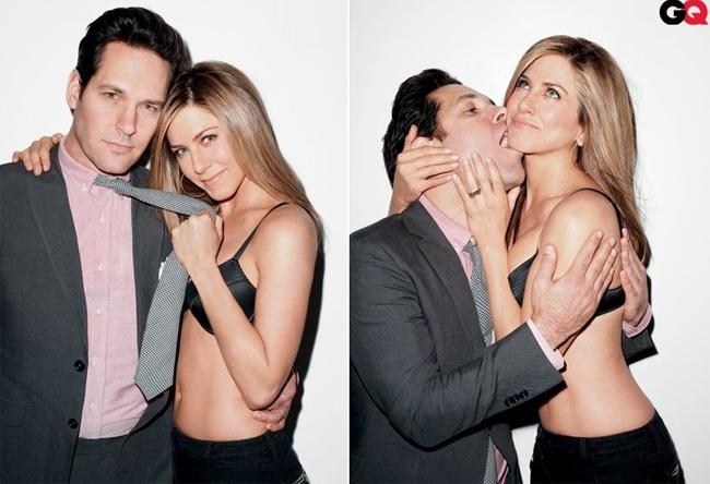 Năm 1998, người đẹp say nắng bạn diễn Paul Rudd khi đóng cặp trong phim The Object of My Affection. Hai người chia tay nhưng vẫn giữ quan hệ bạn bè. 10 năm sau, Jen và Paul tiếp tục cộng tác trong bộ phim Wanderlust.