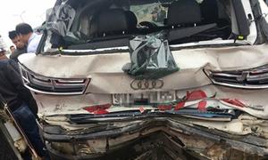 Xe Audi bẹp dúm sau tai nạn liên hoàn trên cao tốc Pháp Vân - Cầu Giẽ