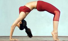 5 động tác đơn giản giúp lấy lại eo thon sau Tết