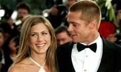 Brad Pitt và Jennifer Aniston bị đồn quay về bên nhau