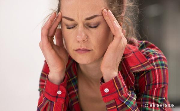 Theo các chuyên gia nội tiết, nếu bạn thường xuyên bị nhức đầu mà không phải do stress hay mệt mỏi thì rất có thể là do hàm lượng estrogen xuống quá thấp.