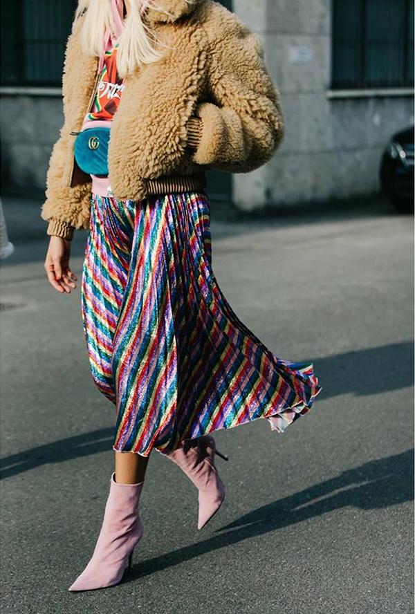 Đầu năm 2017, thương hiệu Gucci đã khiến phái đẹp thế giới điêu đứng khi tung ra các mẫu túi đeo hông, belt bag tôn nét cá tính.
