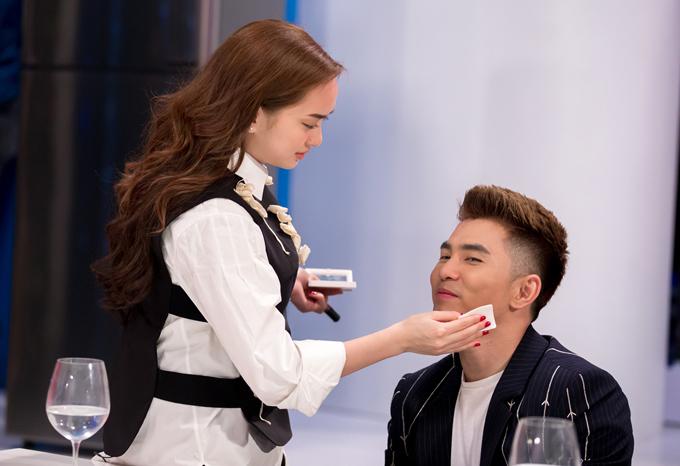Kaity Nguyễn và Will yêu nhau từ khi tham gia phim Em chưa 18. Tình cảm của cặp đôi ngày càng phát triển mặn nồng, được người thân và bạn bè, khán giả ủng hộ.