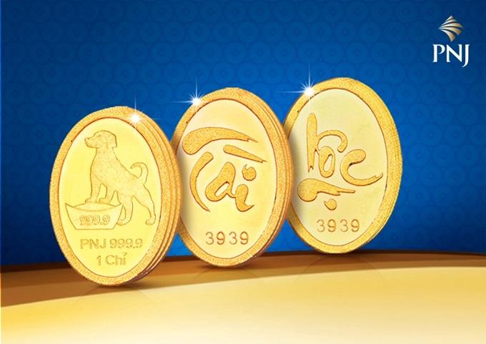 Việc xuất tiền mua vàng trong ngày Thần Tài sẽ giúp chủ nhân nhận được nhiều may mắn, công việc hanh thông, đắc tài đắc lộc. Đây cũng là quà tặng giàu ý nghĩa.