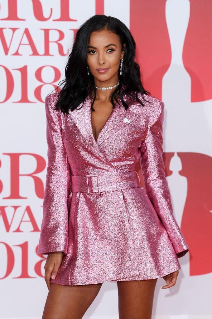 Những bộ cánh ấn tượng trên thảm đỏ Brit Awards 2018