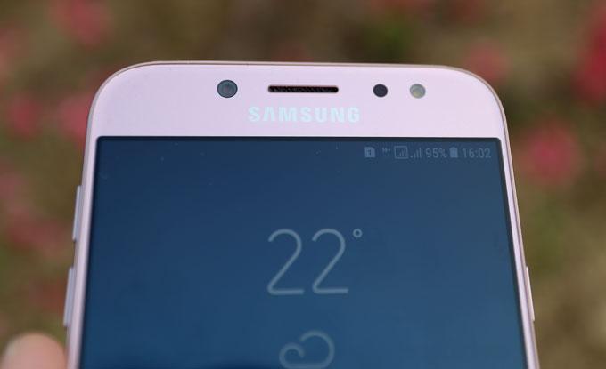 Galaxy J7 Pro màu hồng - 3