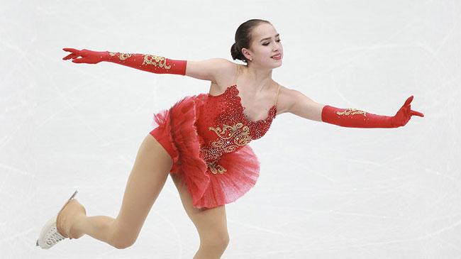 Nữ VĐV trượt băng 15 tuổi của Nga vô địch Olympic PyeongChang - 5