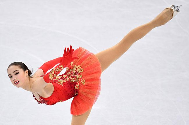 Nữ VĐV trượt băng 15 tuổi của Nga vô địch Olympic PyeongChang - 6