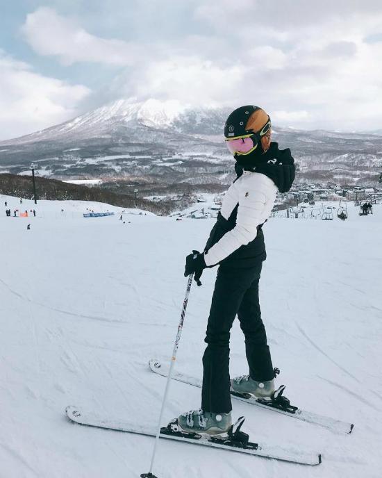 Con trai Angelababy, Huỳnh Hiểu Minh lầnđầuđược bố mẹđưađi trượt tuyết - 3