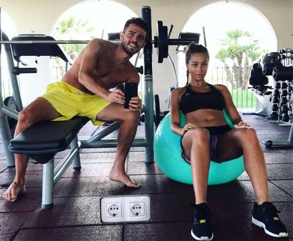 Bernardo Silva và bạn gái. Ảnh: NS.