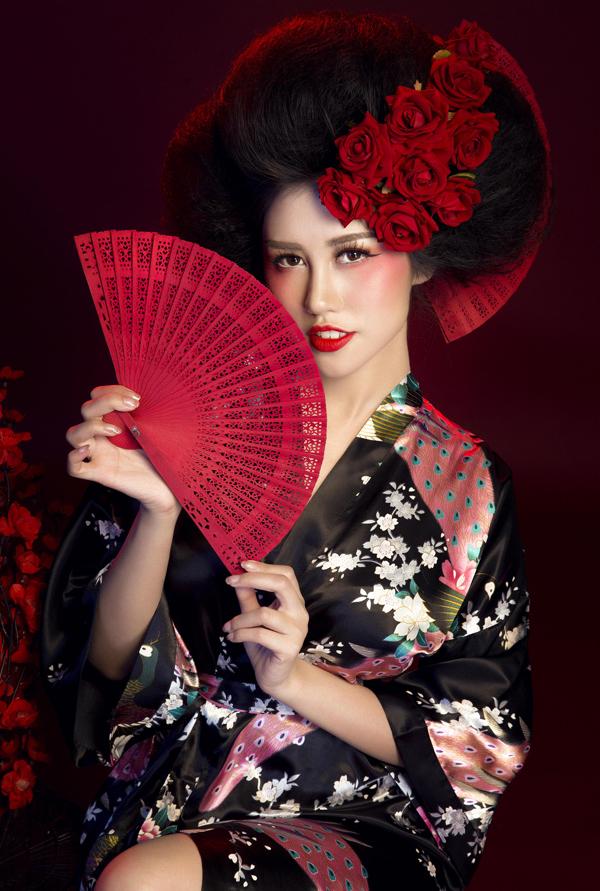 Emily Hồng Nhung thực hiện bộ ảnh kỷ niệm năm mới Mậu Tuất.