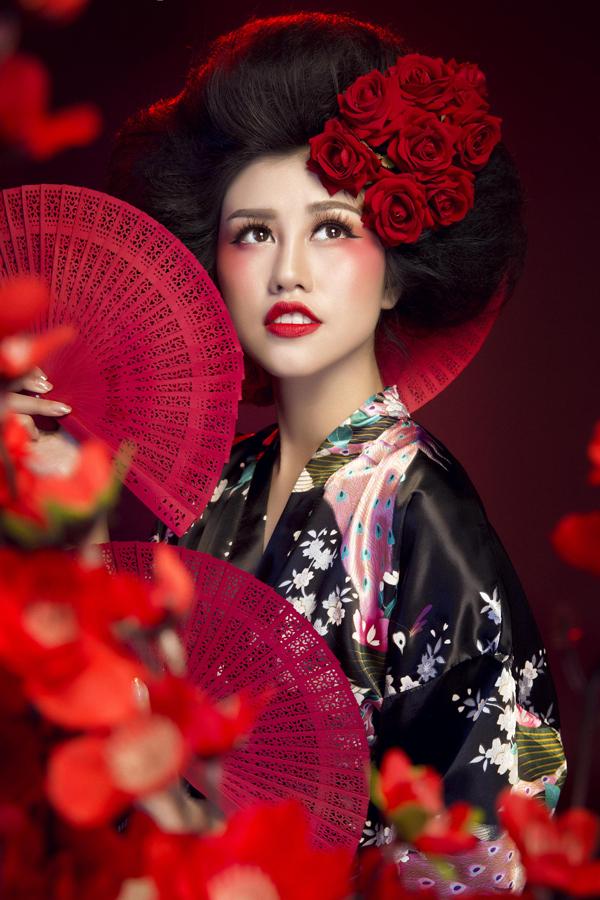 Nhà tạo mẫu tóc Don Hậu vừa đoạt giải nhất cuộc thi Nhà tạo mẫu tóc châu Á giúp Emily Hồng Nhung có diện mạo như một cô gái Nhật.