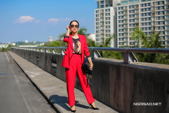 Với Hương Giang, tham dự cuộc thi nhan sắc tầm cỡ quốc tế khi đang là ca sĩ nổi tiếng là một sự liều lĩnh và đánh đổi. Tuy nhiên, cô muốn mình là người tiên phong, mở ra cơ hội cho những người chuyển giới khác của Việt Nam được nói lên tiếng nói của mình.