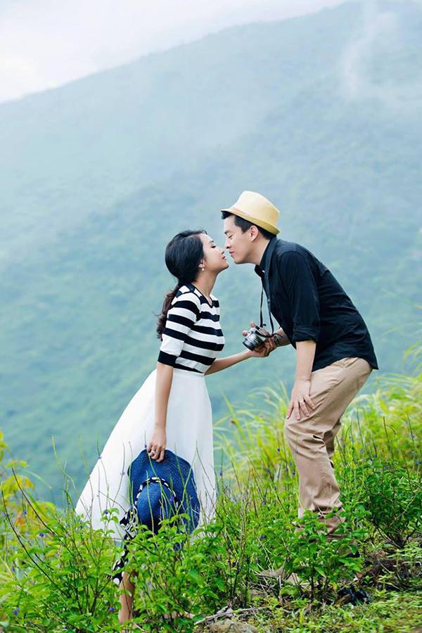 Cặp đôi làm đám cưới vào tháng 11/2014 tại nhà hàng của Lam Trường ở quận 3, TP HCM với sự tham dự của đông đảo khách mời thuộc giới showbiz.
