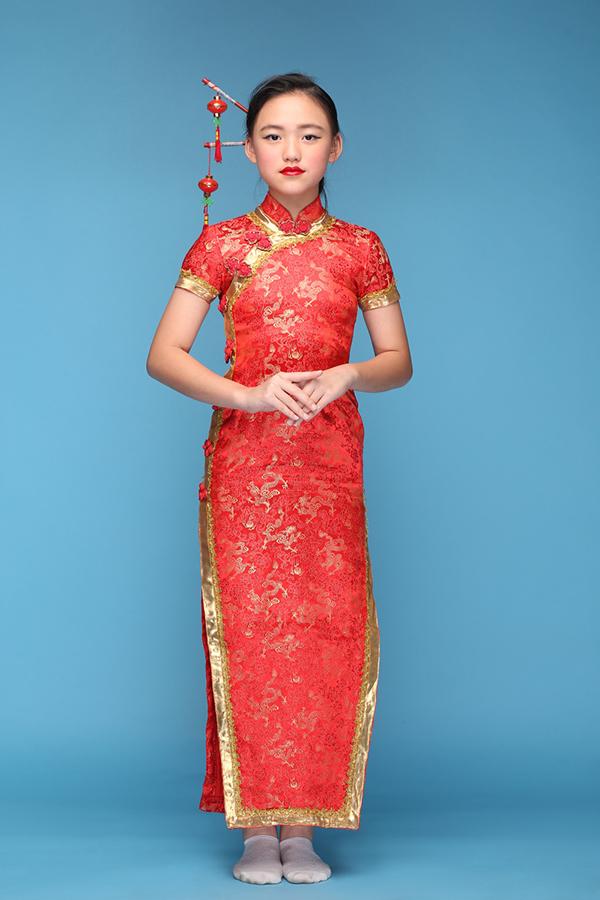 Sau kỳ nghỉ Tết, đạo diễn Nguyễn Hưng Phúc cùng nhóm mẫu nhí Pinkids đang gấp rút các công đoạn chuẩn bị cho show diễn sẽ được tổ chức vào ngày 4/3 tại TP HCM.Lê Mỹ Yến trong trang phục Hongkong.