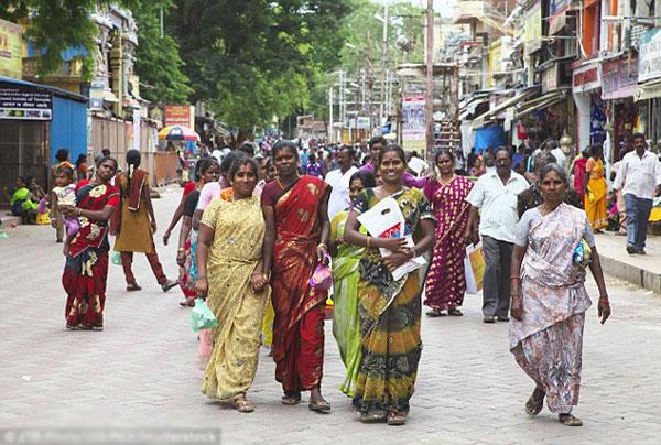 Hàng nghìn phụ nữ nghèo ở Ấn Độ được phẫu thuật thẩm mỹ miễn phí
