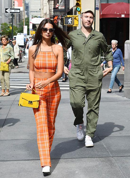 Emily và bạn trai cũ đi chơi hồi tháng 11 năm ngoái.