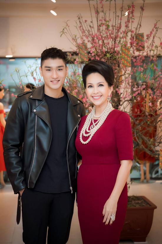 Huy Quang, Á quân Next Top Model 2016 được Diễm My khen ngợi hết lời về vẻ ngoài hiền lành và chiều cao ấn tượng 188cm.
