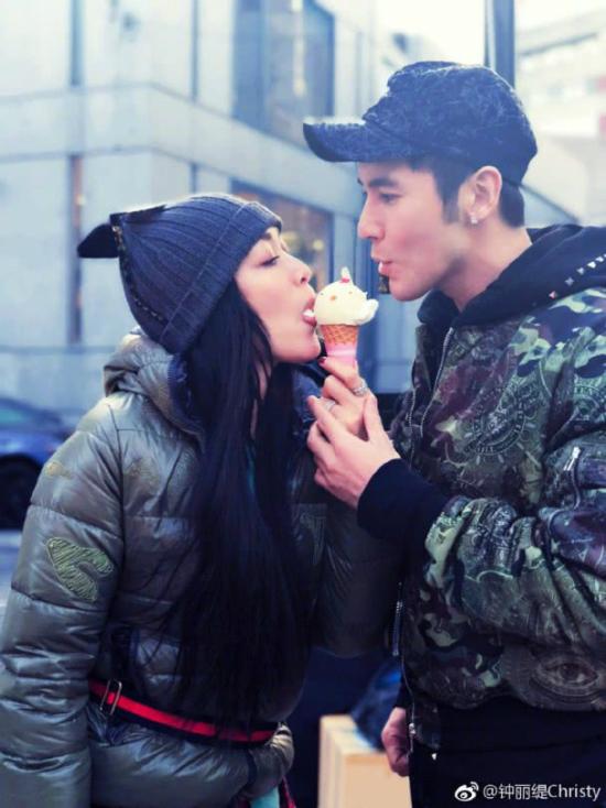 Bom sex gốc Việt muốn sớmsinh con cho chồng trẻ - 1