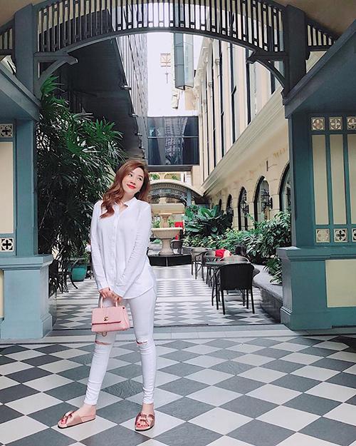 Bảo Thy cũng đang có mặt ở Bangkok để nghỉ ngơi dịp Tết. Đây là lần quay lại đầu tiên sau nhiều năm của nữ ca sĩ.