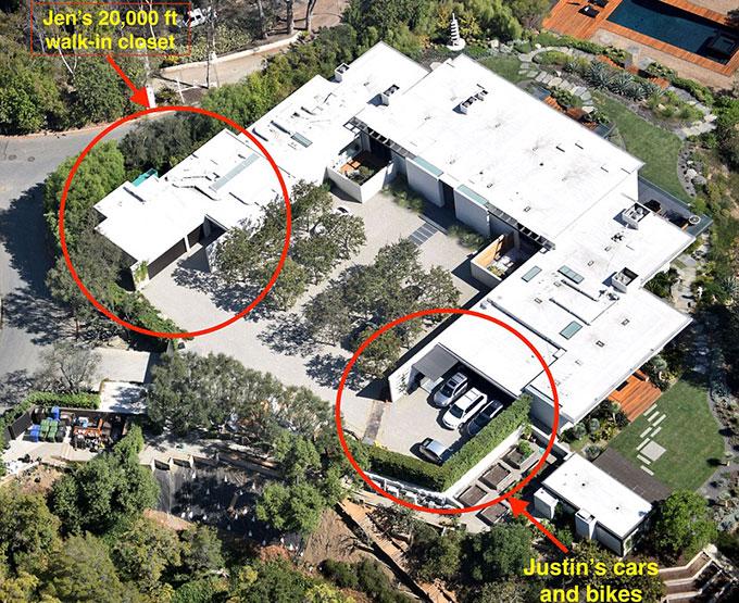 Jennifer chia biệt thự thành hai phần đối xứng giống hệt nhau sau khi kết hôn với Justin.