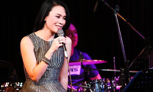 Mỹ Tâm trở lại Sài Gòn biểu diễn sau kỳ nghỉ Tết dài ở quê