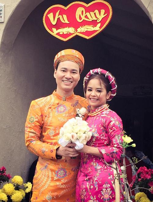 Vợ chồng Đình Bảo trong ngày cưới vào tháng 2/2017.
