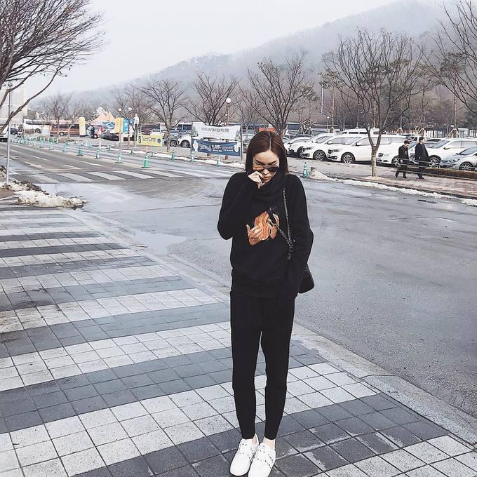 Kỳ Duyên mang theo cả tủ đồ hiệu đi du lịch Hàn Quốc