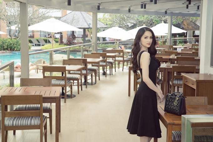 Hương Giang rạng rỡ gặp gỡ ban tổ chức Hoa hậu Chuyển giới Quốc tế - 6