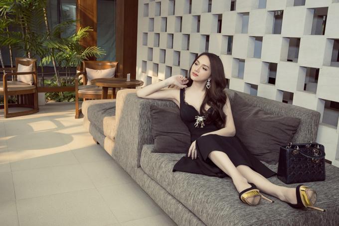 Hương Giang rạng rỡ gặp gỡ ban tổ chức Hoa hậu Chuyển giới Quốc tế - 7
