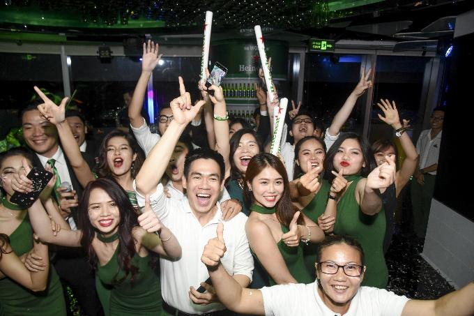 Dàn sao Việt đón năm mới tại The World of Heineken - 7